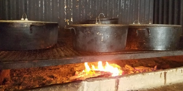 El Fogon Restaurant - Cooking Belizean Food Fire Wood Style