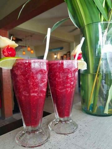 Frozen Berry Sangria - El Fogon